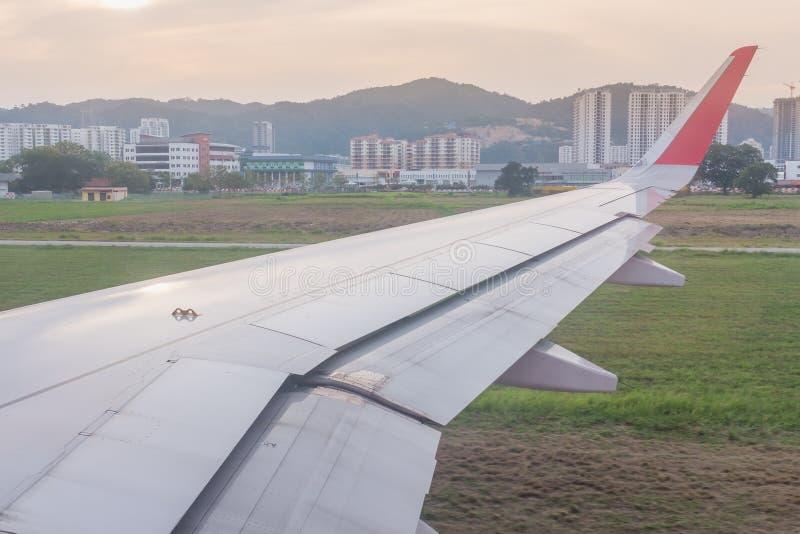 Widok od samolotu okno, Penang lotnisko międzynarodowe, Malaysi fotografia royalty free