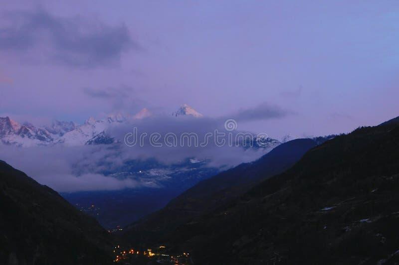Widok od Stalden na otaczaniach, Szwajcaria zdjęcia royalty free