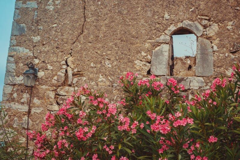 Widok od wśrodku Himara kasztelu, Albania zdjęcie royalty free