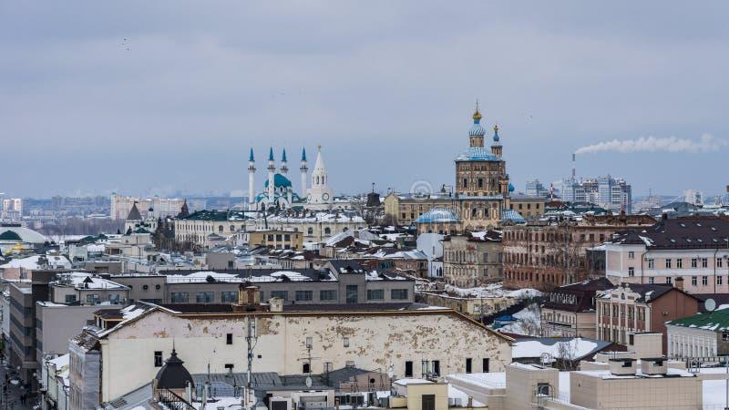 Widok od wierza objawienie pańskie przy zespołem Kazan Kremlin w zimie zdjęcie stock