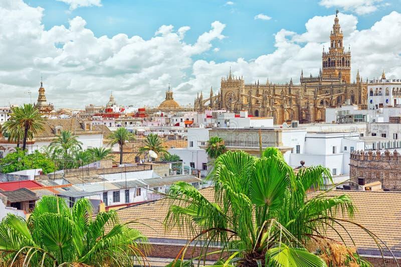 Widok od wierza złoto na Rzymskokatolickiej katedrze w Seville zdjęcia royalty free
