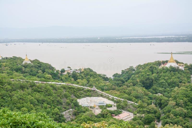 Widok od wzgórza, Sagaing miasta Starego miasta religia i kultury Na zewnątrz Mandalay Wkrótce U Nya goleni Paya Stawowego pagody fotografia stock