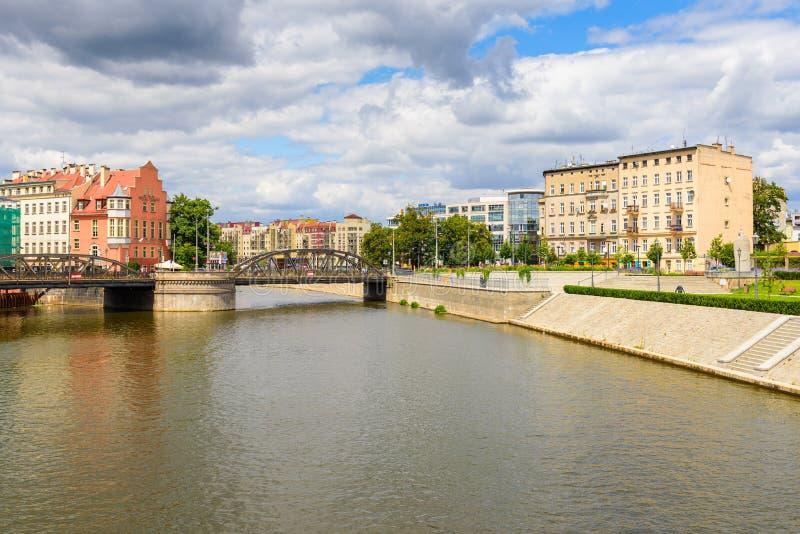 Widok Odra Rzeczny bulwar i most Mlynsky lub młynu fotografia royalty free
