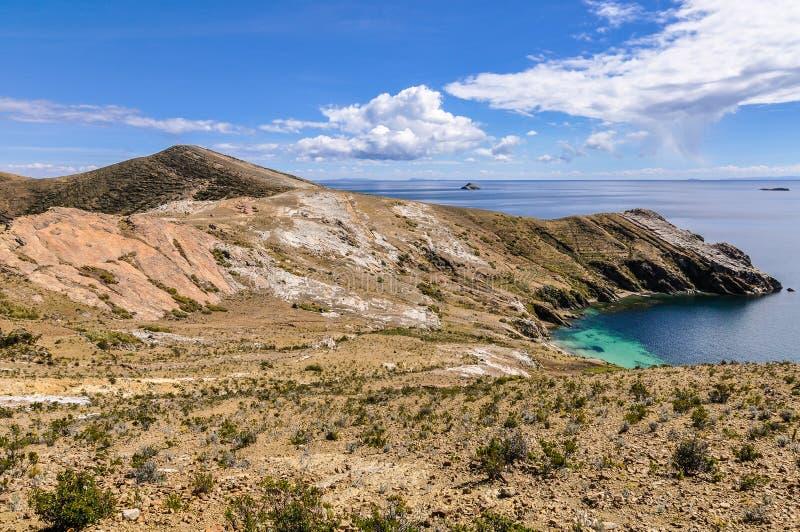Widok półwysep na Isla Del Zol na Jeziornym Titicaca w Bol obraz royalty free