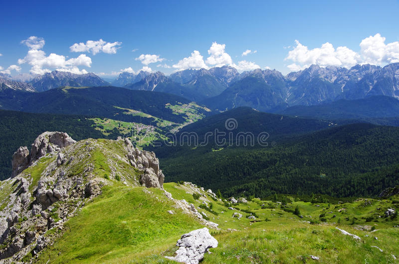 Widok Padola, Comelico Superiore, zdjęcie stock