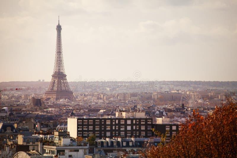 Widok Paryż i Eifel górujemy od 20th okręgu zdjęcie stock
