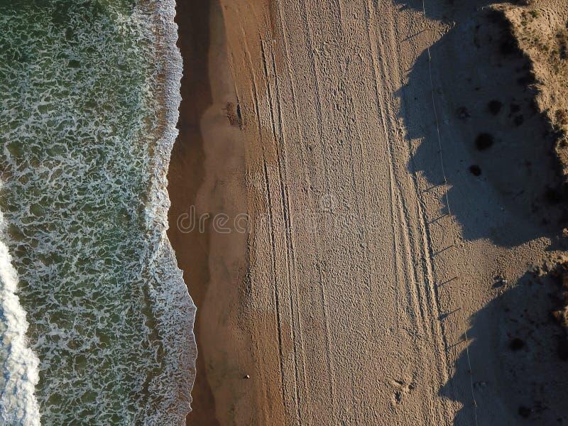 Widok piaskowata plaża od powietrza Hiszpania, Walencja, playa el saler, morze śródziemnomorskie zdjęcia stock