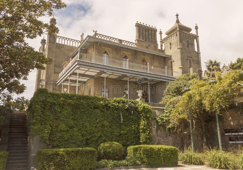Widok południowo-wschodni fasada pałac od dna zielony park crimea zdjęcie stock