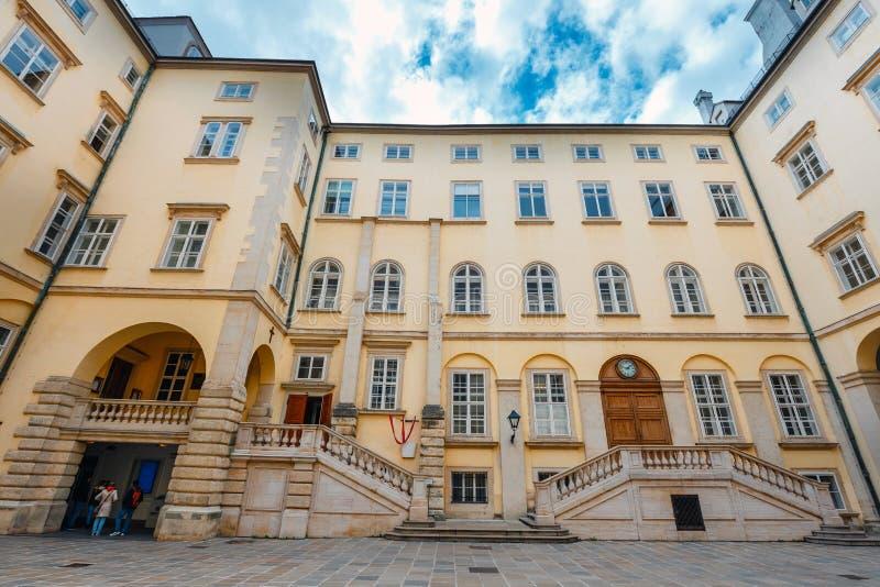 Widok podwórze Hofburg pałac w Wiedeń, Austria fotografia royalty free