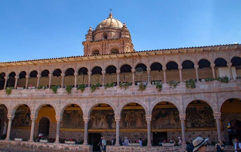 Widok podwórze klasztor Santo Domingo fotografia stock