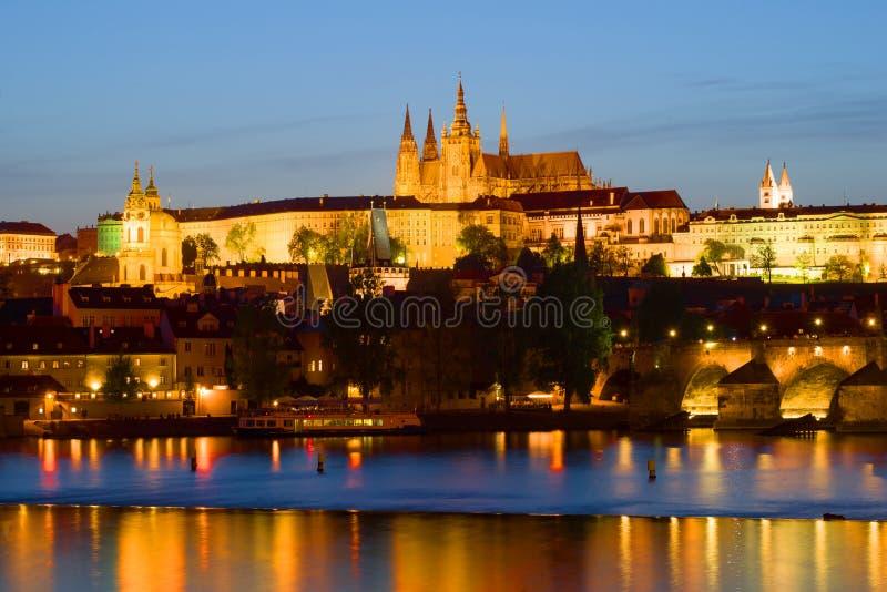 Widok Praga kasztel na Kwietnia wieczór Praga, republika czech obraz royalty free