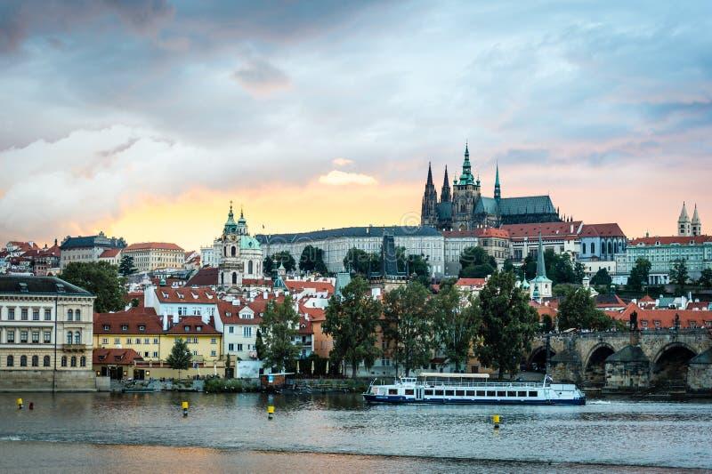 Widok Praga kasztel w wieczór, republika czech obrazy stock