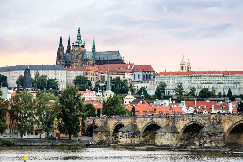 Widok Praga kasztel w wieczór, republika czech obraz stock