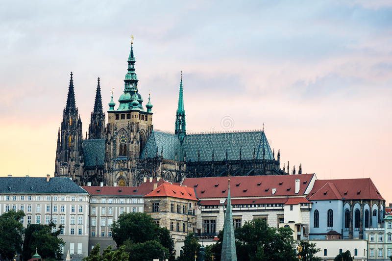 Widok Praga kasztel w wieczór, republika czech zdjęcie stock
