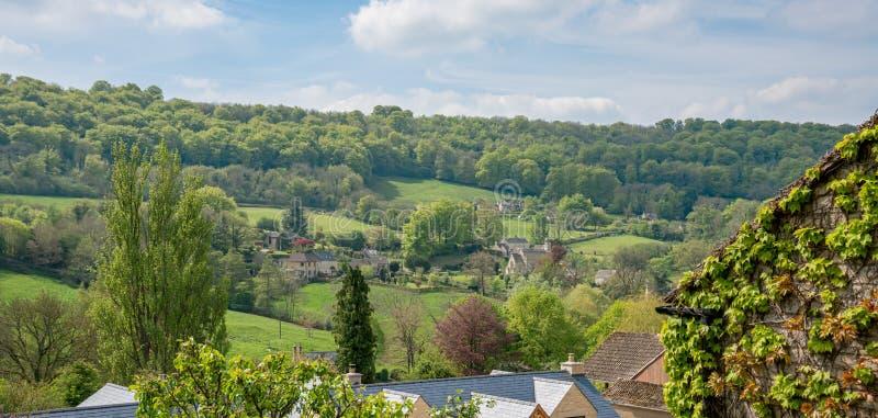 Widok przez Sheepscombe z wioska kościół Cotswolds, Gloucestershire, Zjednoczone Królestwo fotografia stock