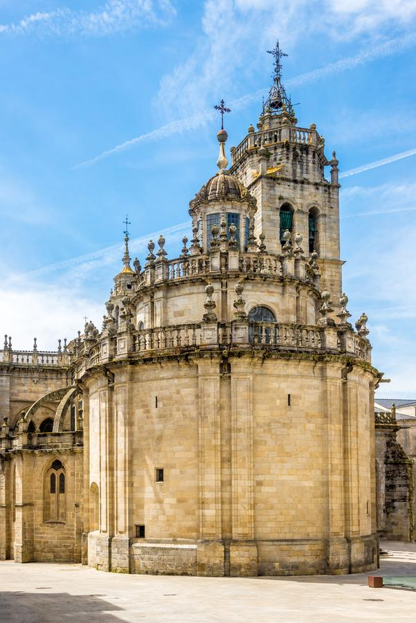 Widok przy apsydą Santa Maria katedra w Lugo, Hiszpania - zdjęcia royalty free