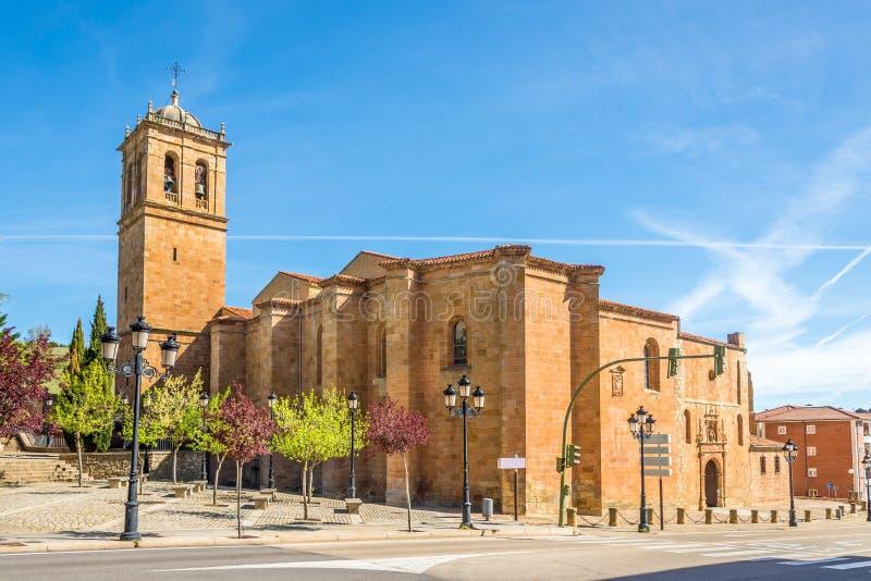 Widok przy katedrą San Pedro w Soria, Hiszpania - zdjęcie stock