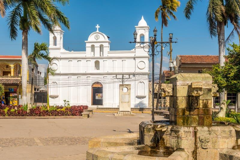 Widok przy kościół San Jose Obrero w Copan Ruinas, Honduras - fotografia stock