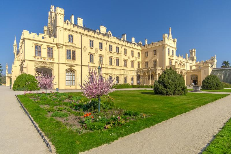 Widok przy Lednice kasztelem od parka - republika czech, Moravia obraz royalty free