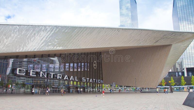 Widok przy nowożytnym środkowym Trainstation Rotterdam holandie obraz stock