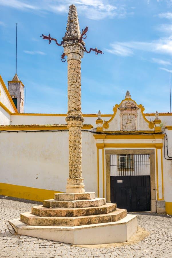 Widok przy pręgierzem Elvas, Portugalia - zdjęcie royalty free
