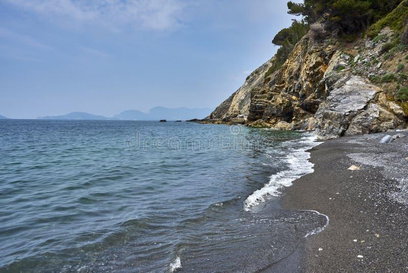 Widok Przy wyspą Palmaria Od Punta Corvo plaży Liguria Włochy zdjęcie royalty free