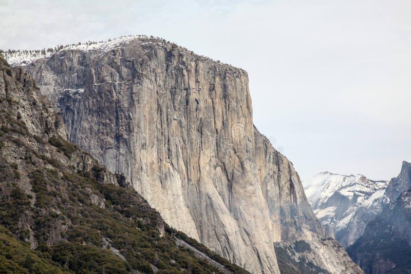 Widok Przyrodni kopu?a krajobraz przy Yosemite parkiem narodowym w zimie, usa fotografia royalty free
