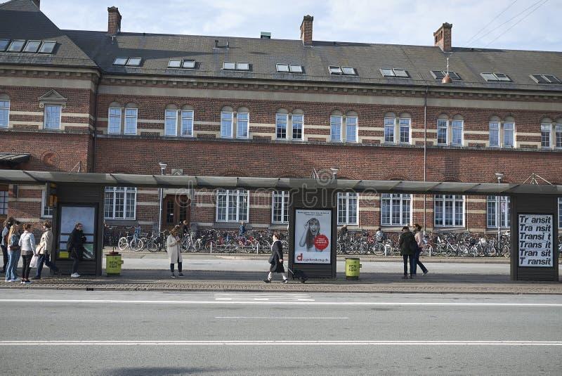 Widok przystanek autobusowy blisko Copenhagen centrali stacji, obrazy royalty free