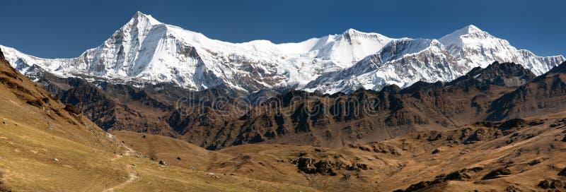 Widok Putha Churen Himal i Dhaulagiri Himal fotografia royalty free