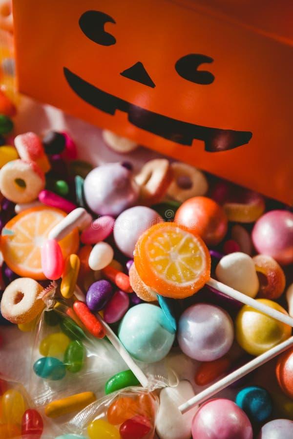 Widok różnorodny słodki jedzenie pomarańcze pudełkiem zdjęcie stock