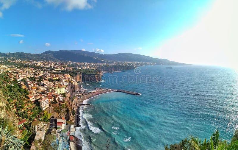 Widok Sorrento wybrzeże zdjęcia royalty free