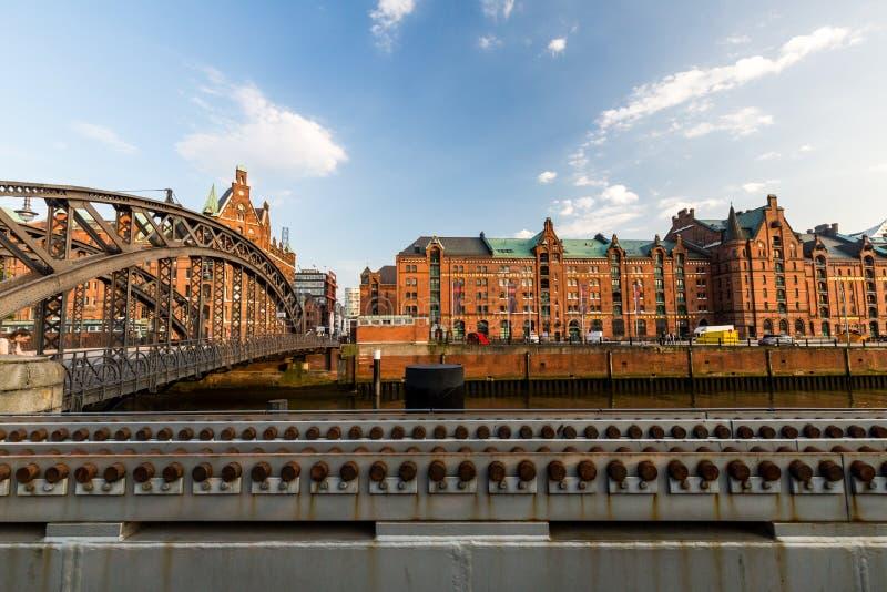 Widok Speicherstadt, także nazwany Hafen miasto w Hamburg, obrazy stock