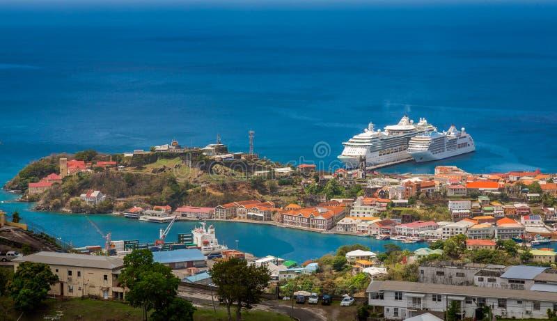 Widok St George miasto od fortu Frederick ` s, Grenada fotografia stock