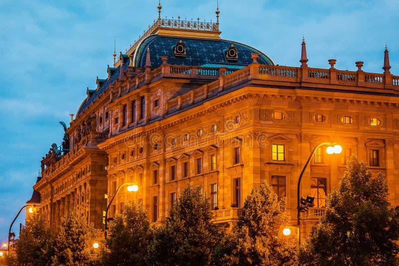 Widok stary Krajowy teatr w Praga zdjęcie royalty free