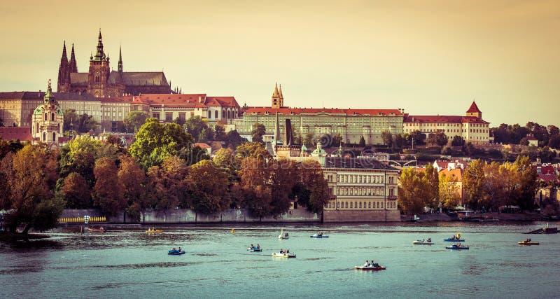 Widok stary miasteczko i Praga kasztel zdjęcia royalty free
