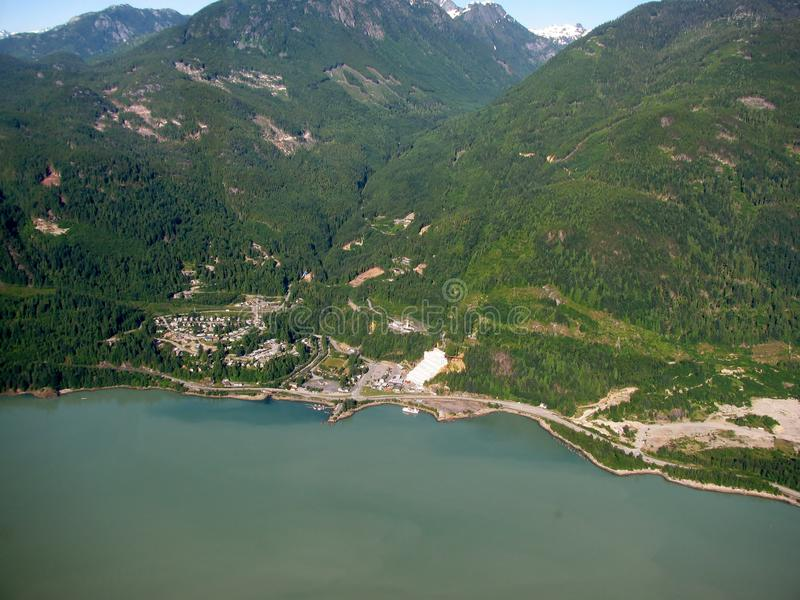 Widok Stawamus szef i miasteczko Squamish, BC, Kanada fotografia royalty free