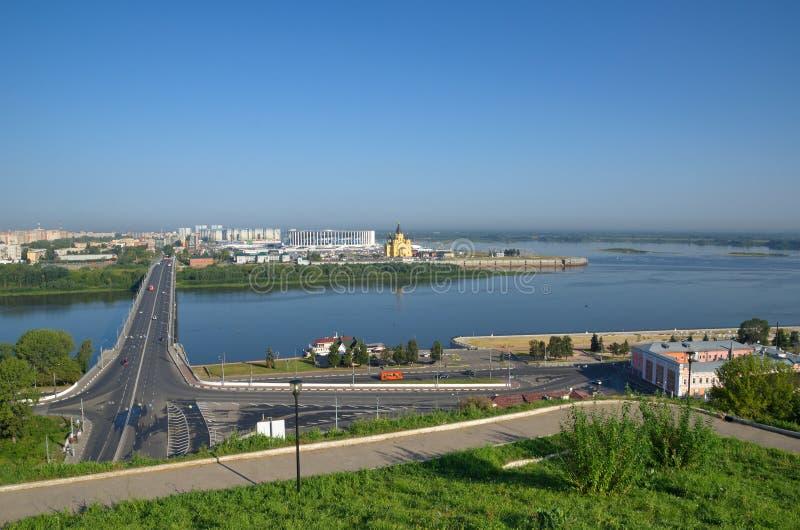 Widok strzały i Kanavinsky most nad Oko rzeką, Nizhny Novgorod, Rosja zdjęcia royalty free