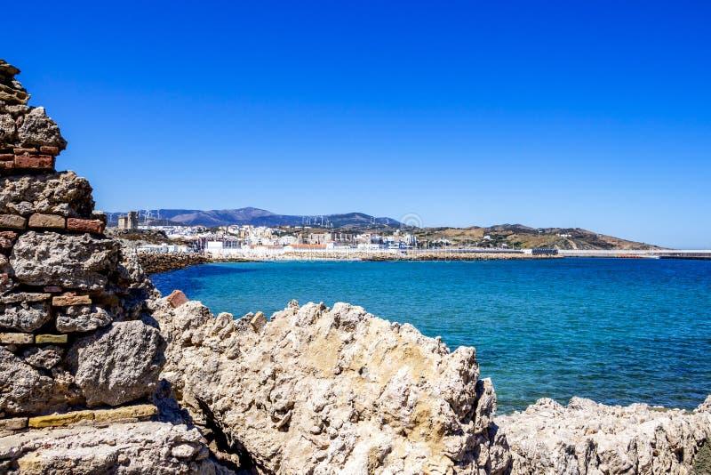 Widok Tarifa od Isla De Las Palomas, Hiszpania obraz royalty free