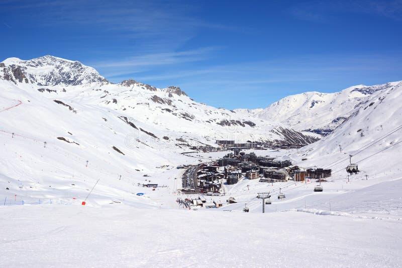 Widok Tignes ośrodek narciarski w zimie obrazy stock