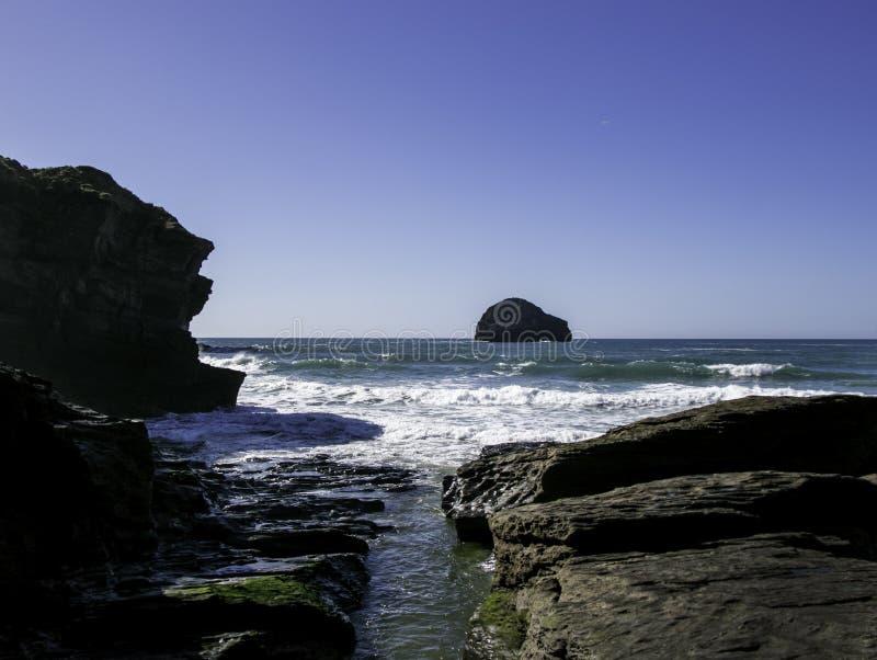 Widok Trebarwith pasemko w Cornwall, Anglia zdjęcia royalty free