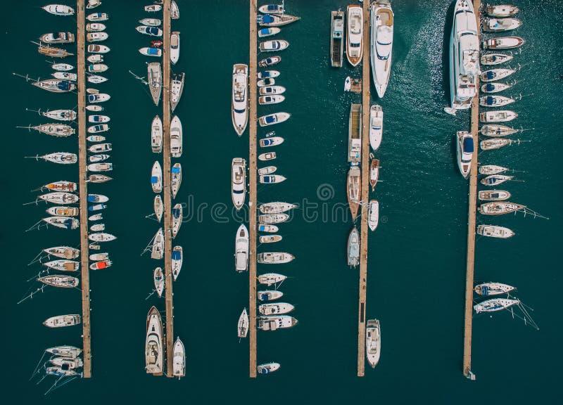 Widok trzymać na dystans i morze od trutnia zdjęcia royalty free