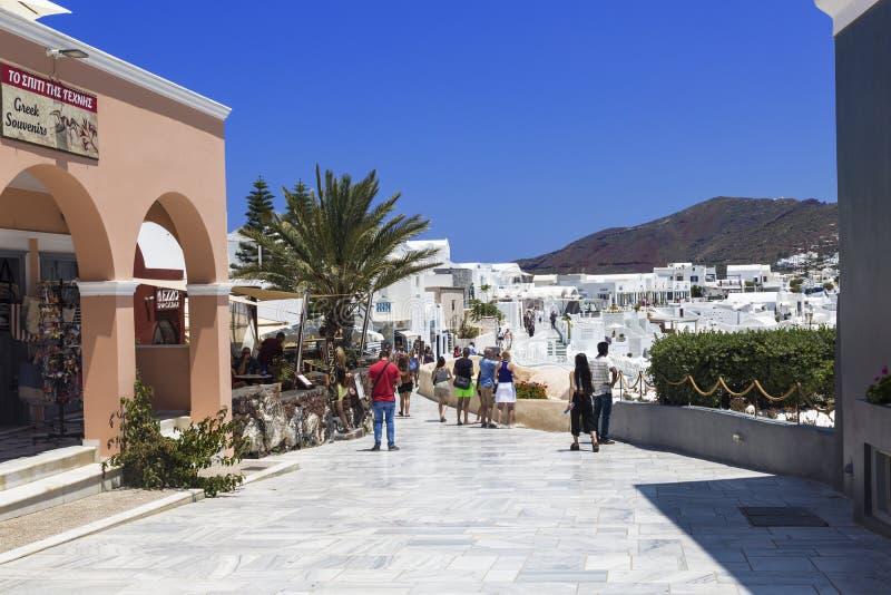 Widok ulica w Oia w Santorini, Grecja fotografia stock