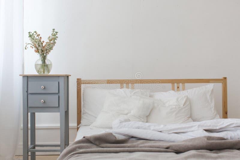 Widok unmade zmięty łóżko fotografia stock