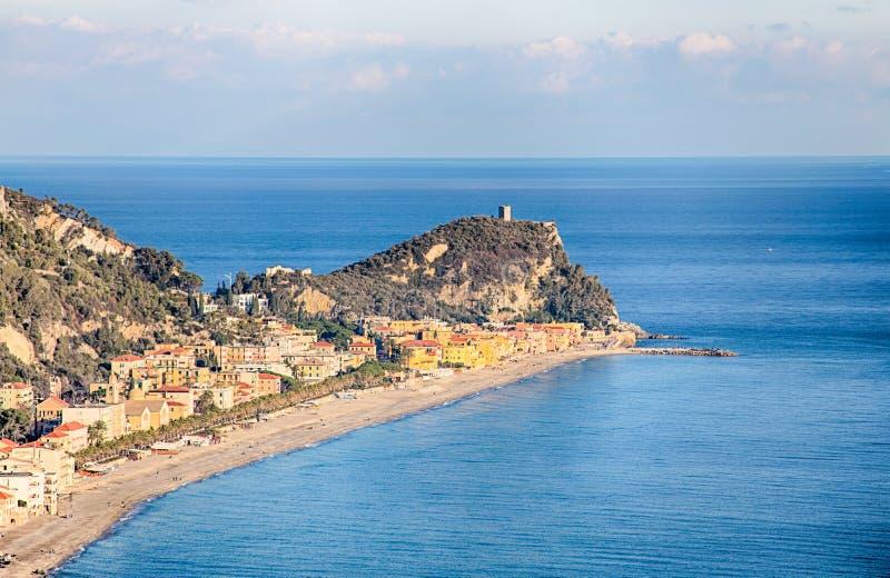 Widok Varigotti plaża, Savona, Liguria, Włochy obrazy stock