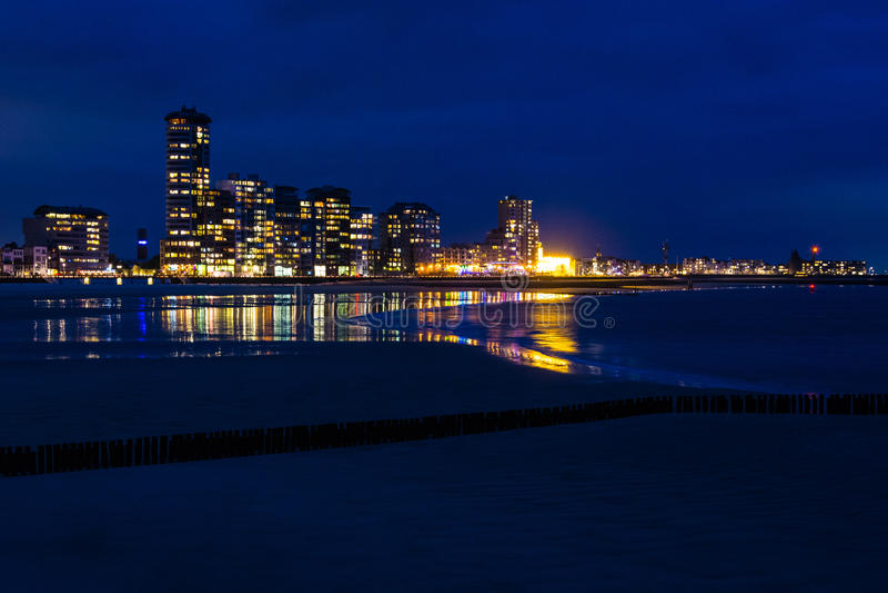 Widok Vlissingen, Zeeland, holandie przy nocą obrazy royalty free