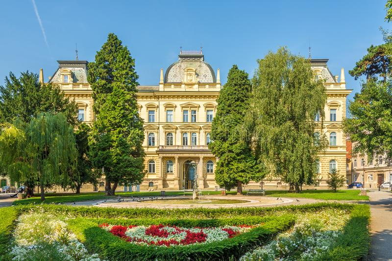 Widok w budynku Uniwersytetu w Mariborze w Słowenii fotografia royalty free