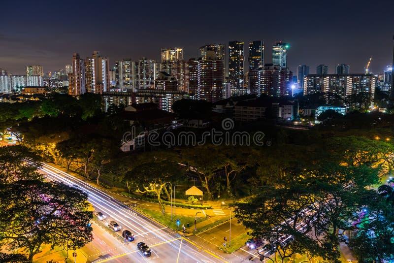 Widok W centrum Singapur linia horyzontu, nocy scena tęsk exposur fotografia royalty free