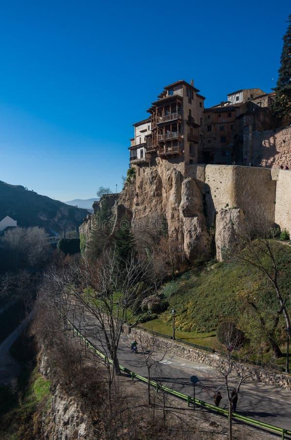 Widok wieszać mieści ` casas colgadas ` Cuenca stary miasteczko Znakomity przykład średniowieczny miasto, budujący na stromych st fotografia royalty free