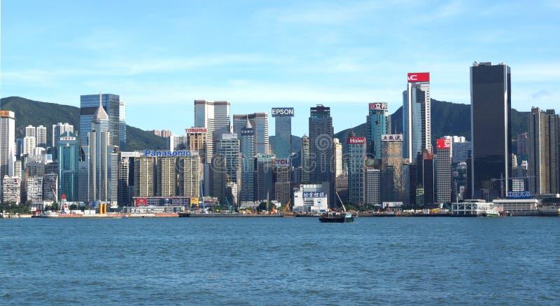 Widok Wiktoria zatoka i drapacze chmur Hong Kong wyspa od Tsim Sha Tsui bulwaru hong porcelanowy kong fotografia royalty free