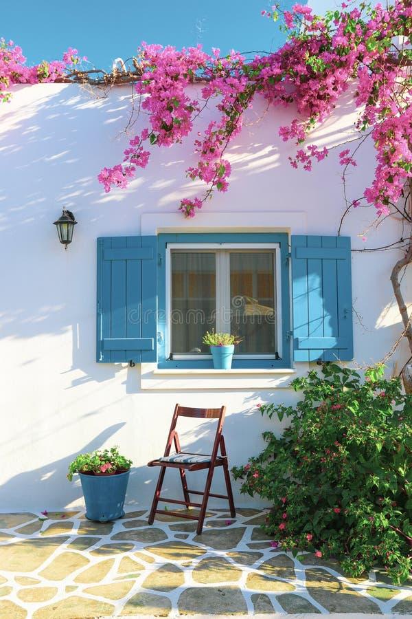 Widok wybielonego domu na wyspie Antiparos w Grecji obraz stock